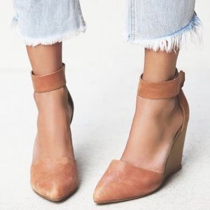 Jeffrey Campbell Peaks Point Wedges